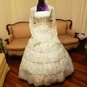 Alfred Angelo Size 6 Quinceanera / Prom Dress